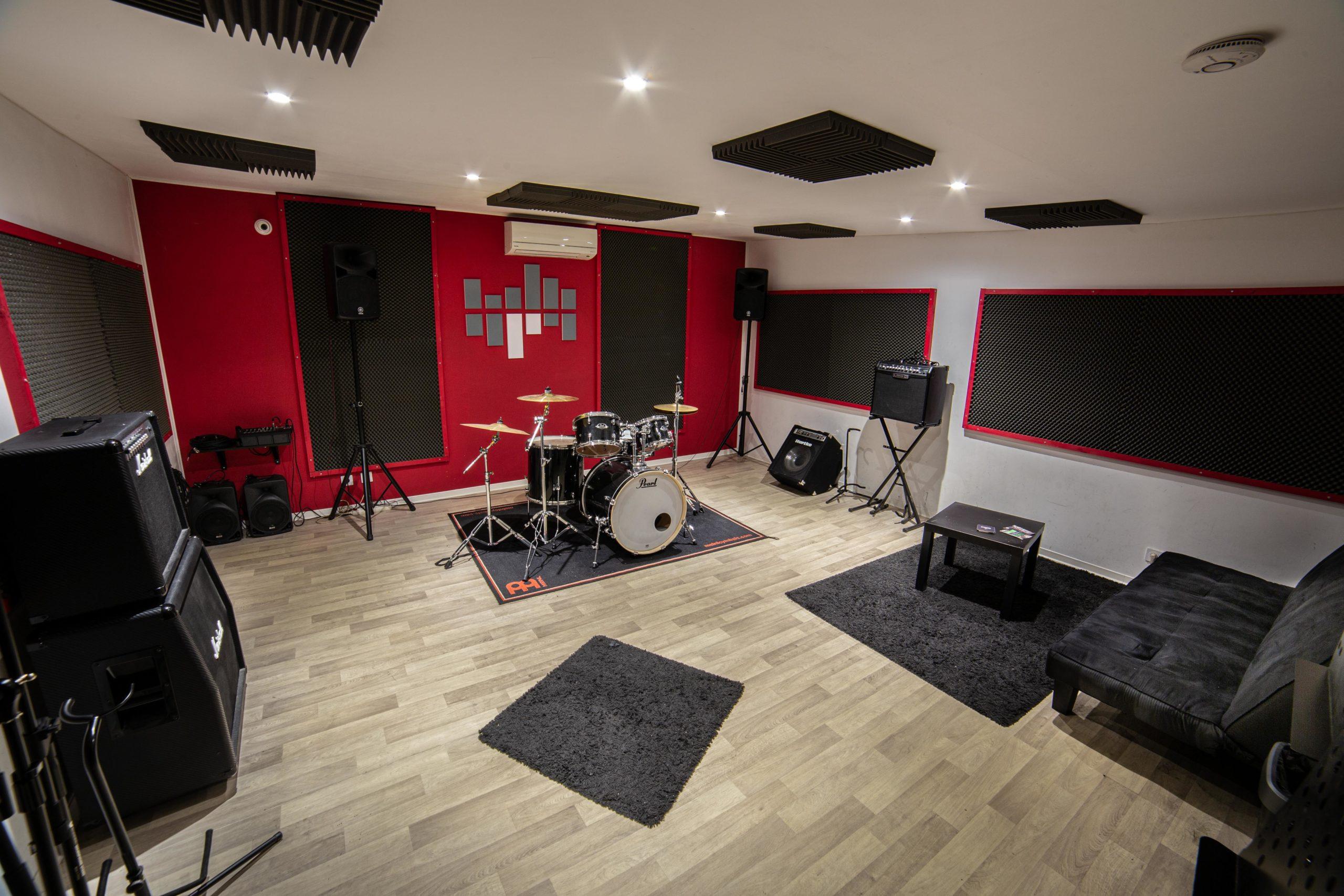 Studio Toulouse : artiste dans un studio de répétition