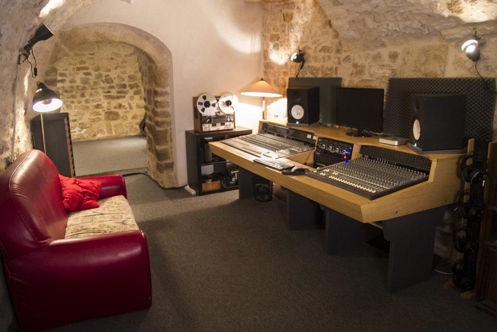 Kiwi Records : régie du studio d'enregistrement à Montpellier